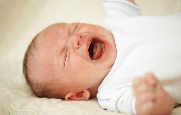 mẹo vặt dân gian chữa chứng khóc đêm cho bé